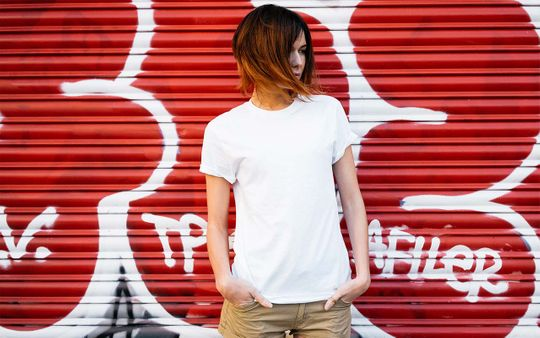 white-tee-grafitti